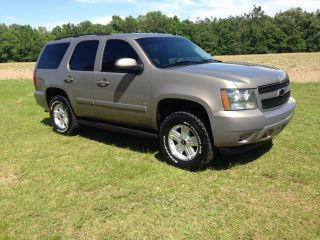 2007 Chevrolet Tahoe Lt Sport Utility 4 - Door 5.  3l photo
