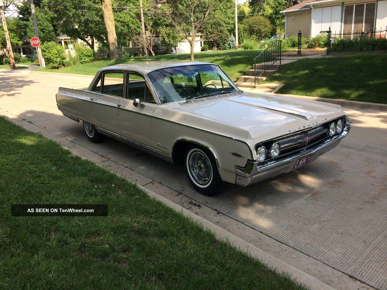1964 Oldsmobile Ninety Eight Town Sedan 98 General Motors Classic Ninety-Eight photo