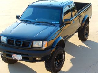 1999 Nissan Frontier V6 4x4 Ext Cab 5 Speed Manual photo