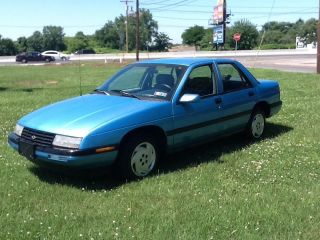 1993 Chevrolet Corsica Lt Sedan 4 - Door 3.  1l photo