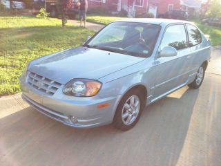 2005 Hyundai Accent Gt Hatchback 3 - Door 1.  6l photo