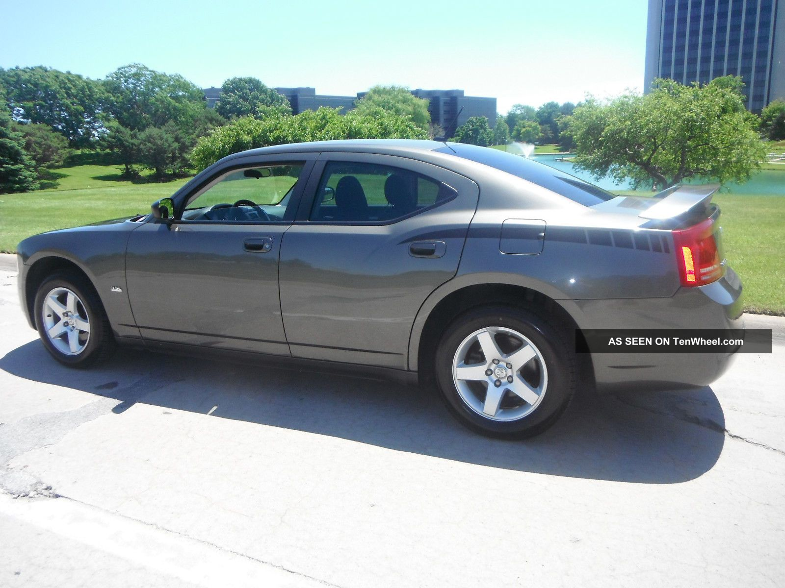 2008 dodge charger se sedan 4 door 3 5l. Black Bedroom Furniture Sets. Home Design Ideas