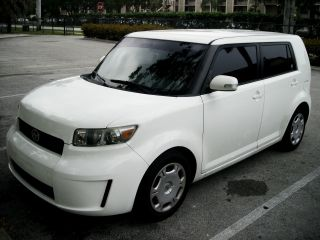 2009 Scion Xb Base Wagon 4 - Door 2.  4l Gas Saver Ipod Ready photo