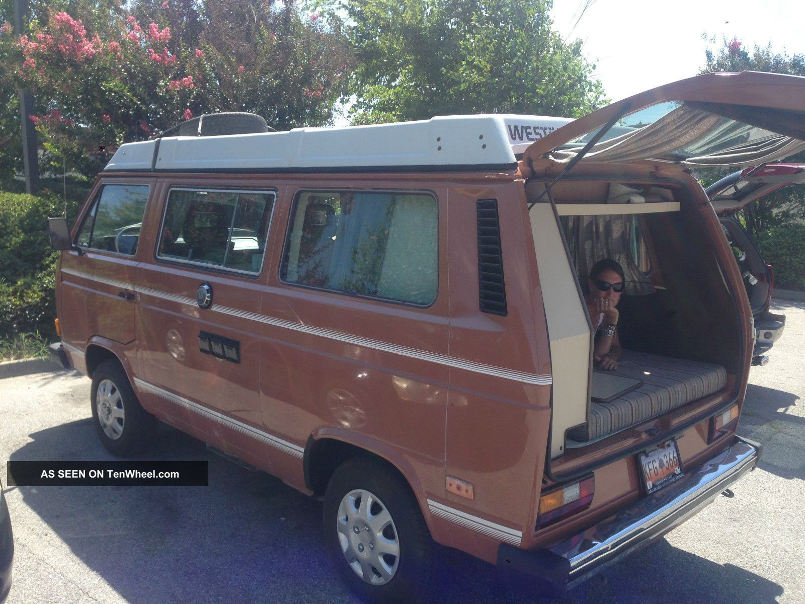 1983 Volkswagen Vanagon Campmobile Van Camper 3 - Door 1.  9l Bus/Vanagon photo