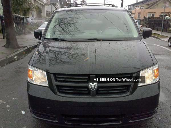 2010 Dodge Grand Caravan Sxt Wheelchair Van 4 - Door 3.  8l Grand Caravan photo