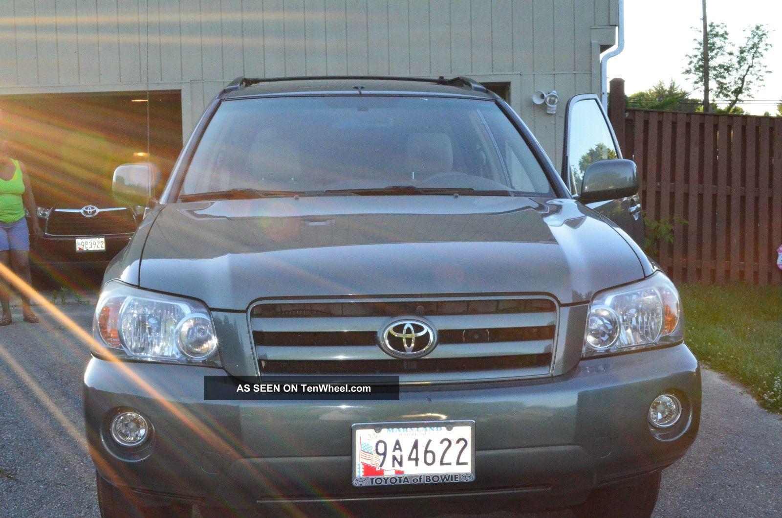 2006 Toyota Highlander,  Green,  4 Door Awd Highlander photo