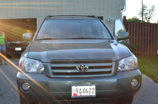 2006 Toyota Highlander,  Green,  4 Door Awd photo
