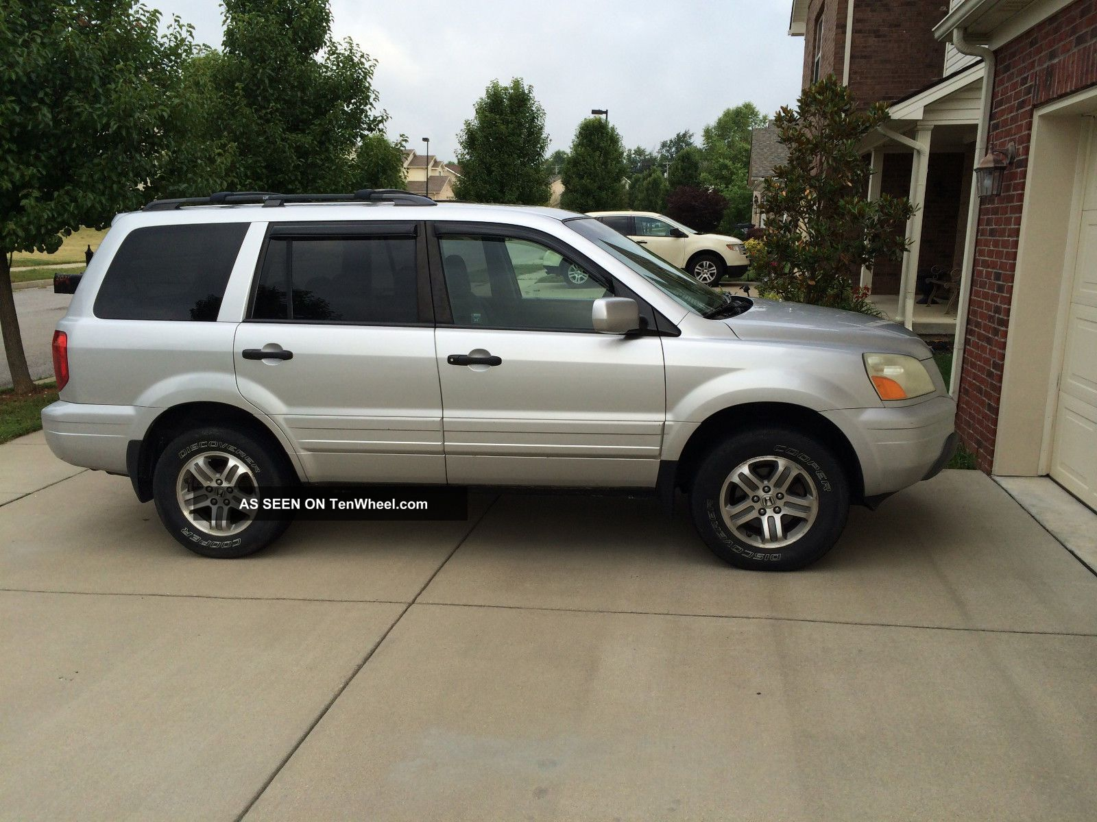 2005 Honda Pilot Ex Sport Utility 4 - Door 3.  5l Pilot photo