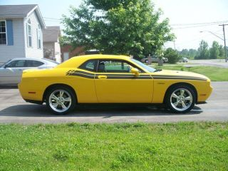 2010 Dodge Challenger R / T Classic 5.  7 Hemi 8480 Kms Loaded - Warrenty photo
