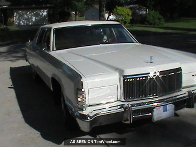 1975 Lincoln Continental Continental photo