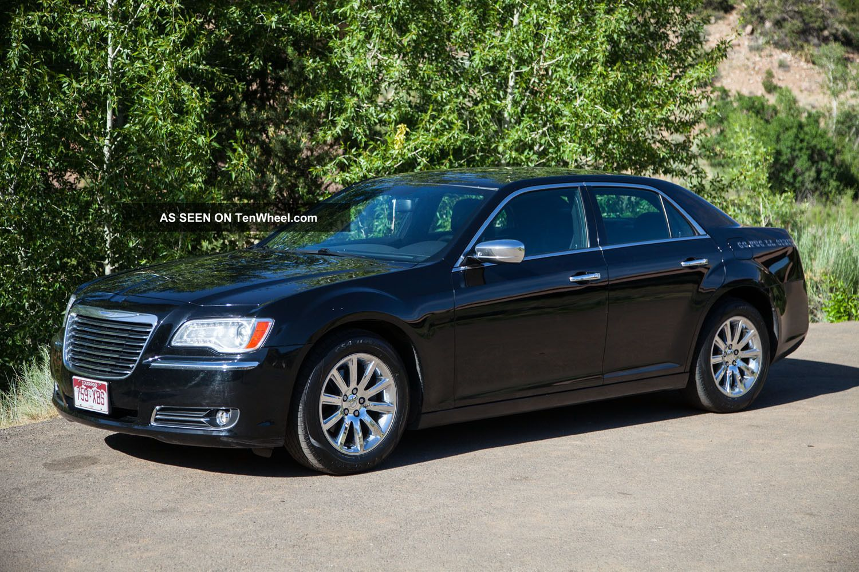 2012 Chrysler 300 Limited Sedan Rwd 3.  6l 300 Series photo