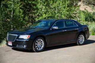 2012 Chrysler 300 Limited Sedan Rwd 3.  6l photo