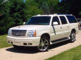2004 Cadillac Escalade Esv Luxury Awd Pearl Bose 22  Chrome Financing photo