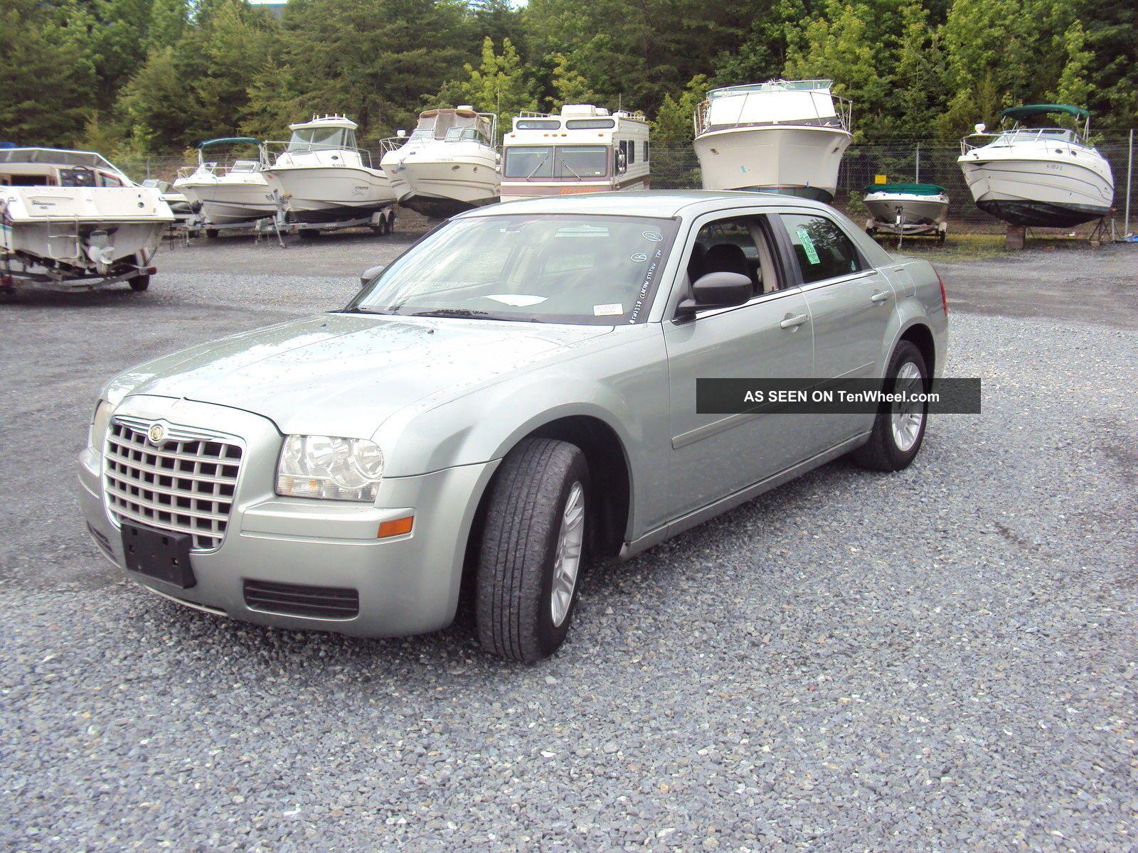 2006 Chrysler 300 Sedan 2.  7l Needs Motor Repair Body Good Looking Fix Other photo