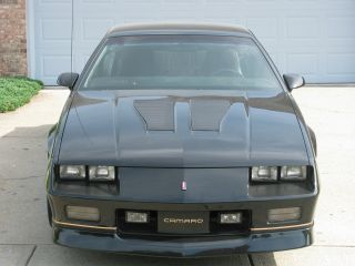 1987 Chevrolet Camaro Iroc Z28 5.  7 Sports Coupe photo