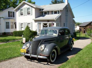 1937 Ford Standard Touring Fordor Sedan Flathead Ford - photo
