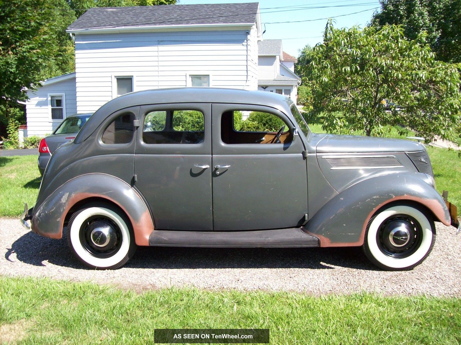1937 ford standard touring fordor sedan flathead ford for 1937 ford 4 door humpback