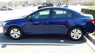 2013 Chevrolet Cruze Ls Sedan 4 - Door 1.  8l photo