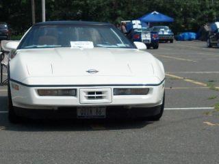 1986 Chevrolet Corvette Base Hatchback 2 - Door 5.  7l photo