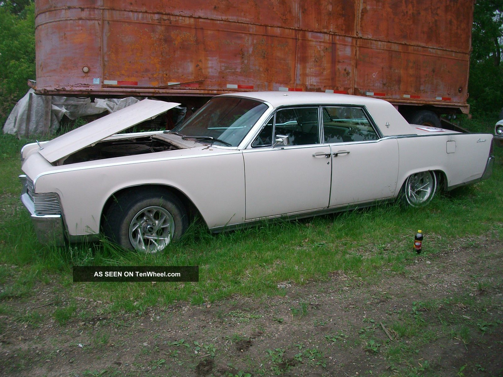 1965 Lincoln Continental Continental photo