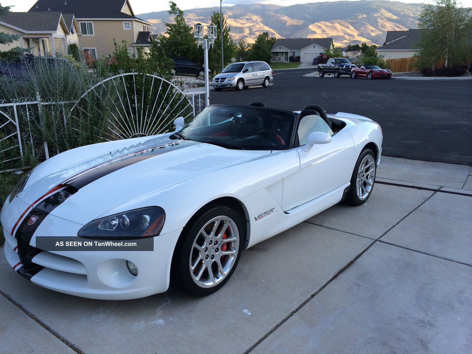 2004 Dodge Viper Srt - 10 Convertible 2 - Door 8.  3l Viper photo