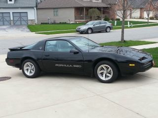1990 Firebird Formula 350 5.  7l V8 photo