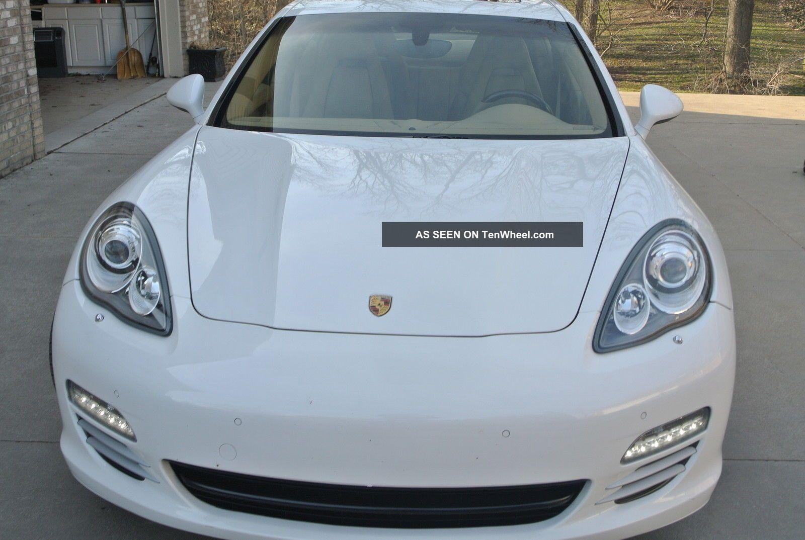 2011 Porsche Panamera 4s Hatchback 4 - Door 4.  8l Panamera photo