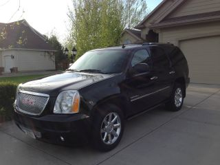2011 Gmc Yukon Denali Black photo