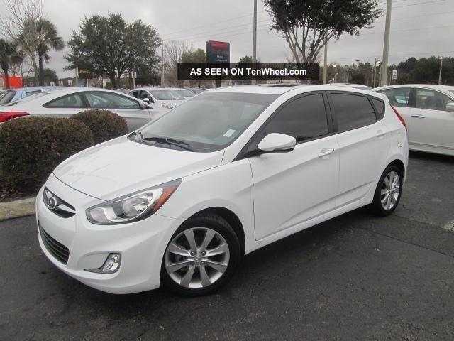 2013 Hyundai Accent Se Hatchback 4 - Door 1.  6l Accent photo