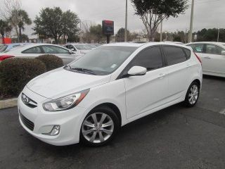 2013 Hyundai Accent Se Hatchback 4 - Door 1.  6l photo