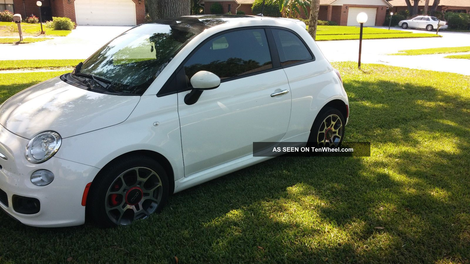 Garage kept 2012 fiat 500 sport auto with moon roof for Garage fiat 500