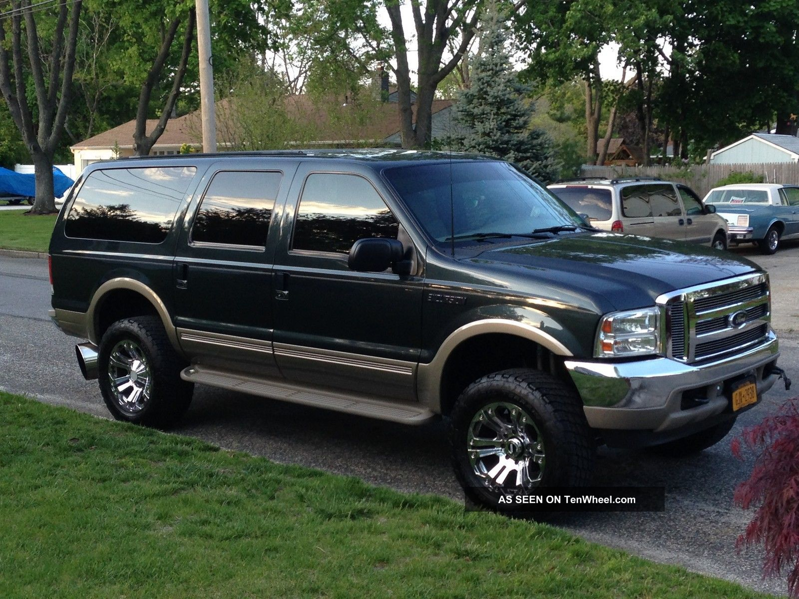 2001 Ford Excursion Limited Sport Utility 4 - Door 7.  3l Excursion photo