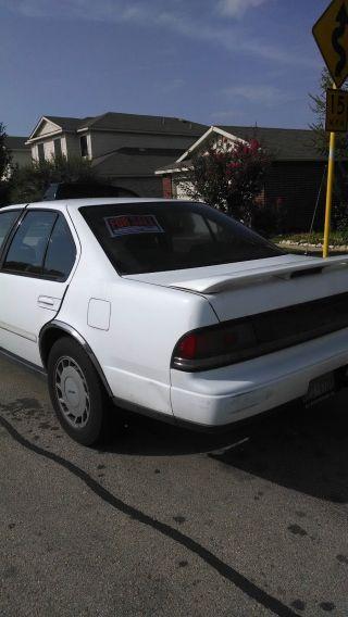 1989 Nissan Maxima Se Sedan 4 - Door 3.  0l photo