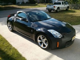 2007 Nissan 350z Grand Touring Convertible 2 - Door 3.  5l photo