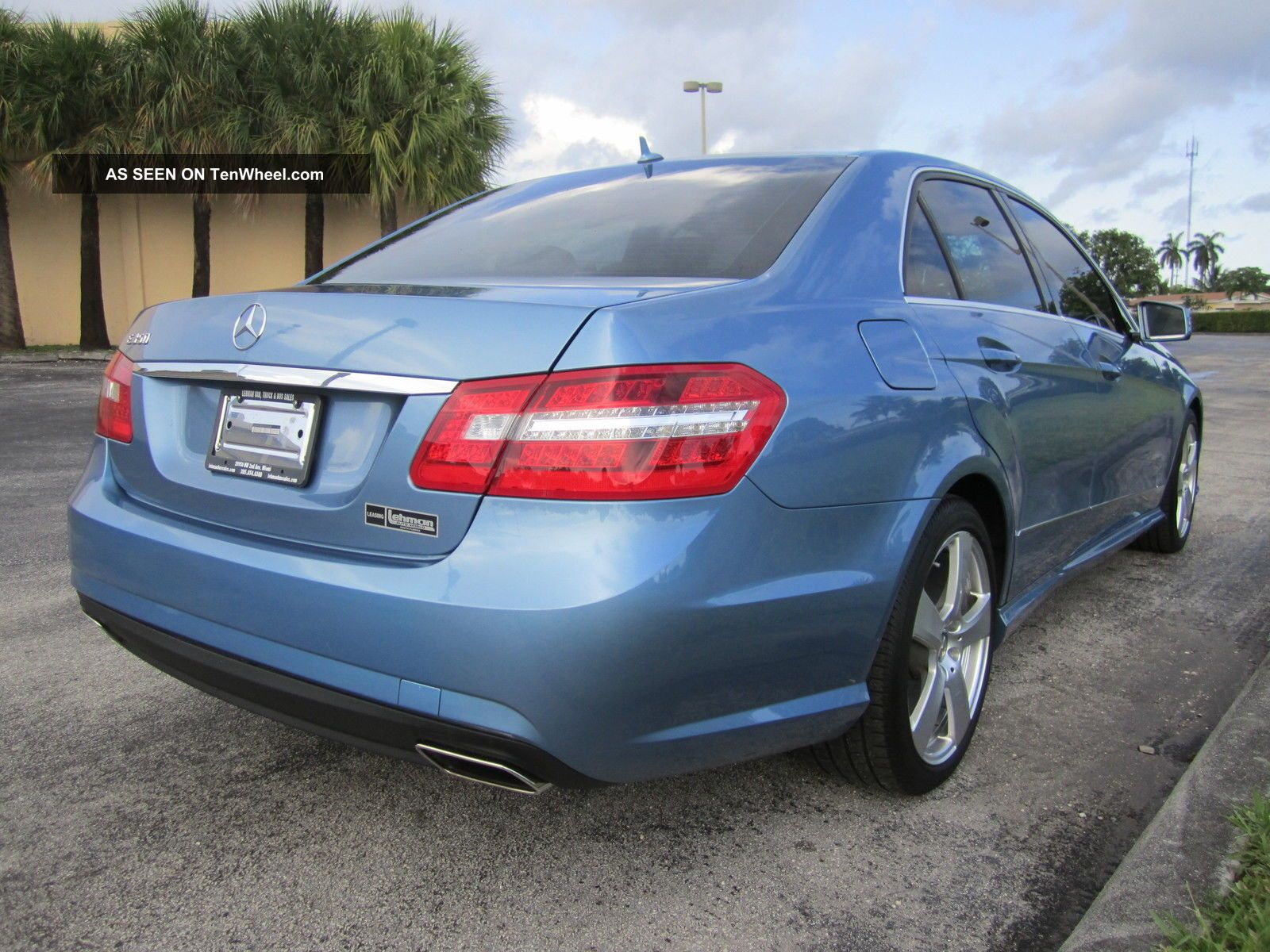 2010 mercedes benz quartz blue metalic e class 4dr e350 sedan. Black Bedroom Furniture Sets. Home Design Ideas