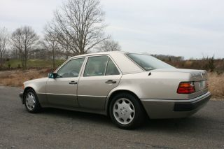 1992 Mercedes Benz 500e photo