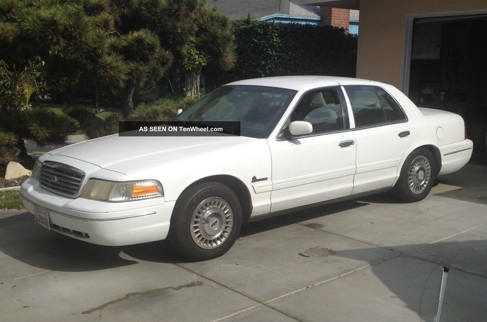 2001 Ford Crown Victoria Cng