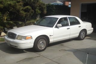2001 Ford Crown Victoria - Cng photo