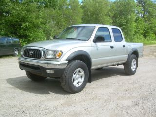 2001 Toyota Tacoma Double Cab 4x4 photo