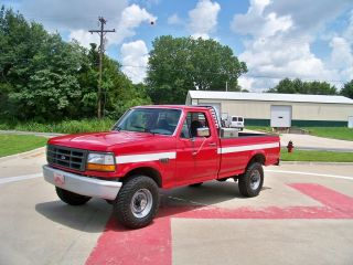 1996 Ford F - 250 Xl Standard Cab Pickup 2 - Door 5.  0l photo