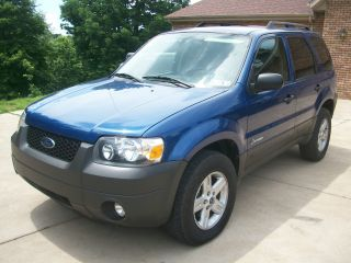 2007 Ford Escape Hybrid 4 Wheel Drive photo