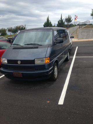 1993 Volkswagen Eurovan Base Standard Passenger Van 3 - Door 2.  4l photo