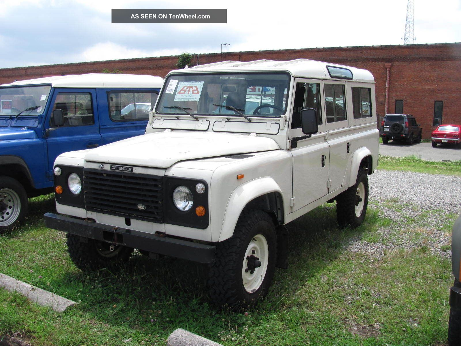 1985 Land Rover Defender 110 - Very Pretty Defender photo