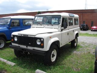 1985 Land Rover Defender 110 - Very Pretty photo