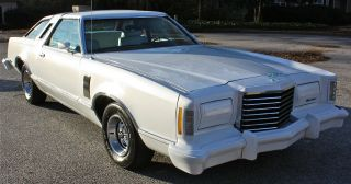 1977 Ford Thunderbird Base Hardtop 2 - Door 5.  8l photo