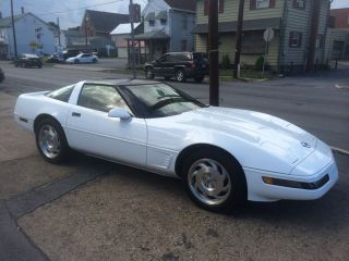 1995 Chevrolet Corvette Zr - 1 Hatchback 2 - Door 5.  7l photo