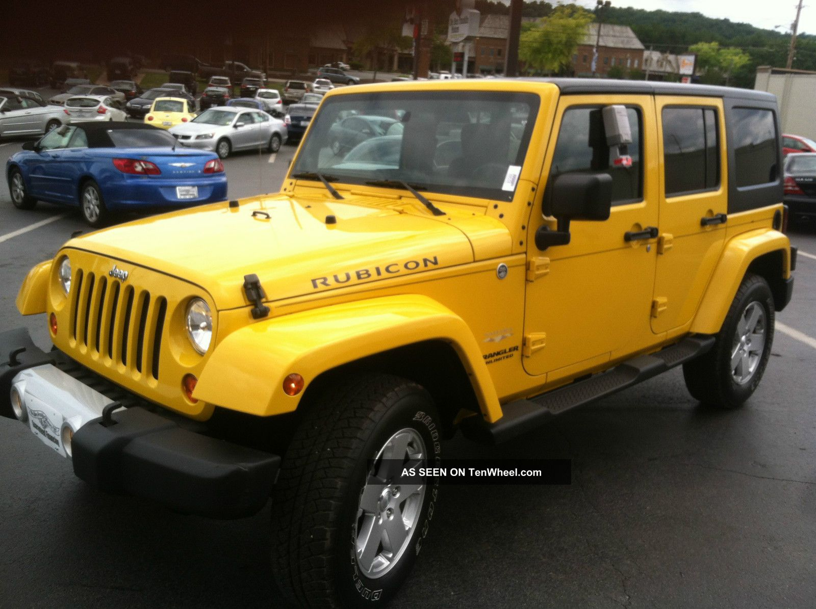 2011 Jeep Wrangler Unlimited 4x4 Sahara Wrangler photo