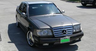 1991 Mercedes - Benz 300e Base Sedan 4 - Door 3.  0l photo
