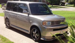2005 Scion Xb Base Wagon 4 - Door 1.  5l photo