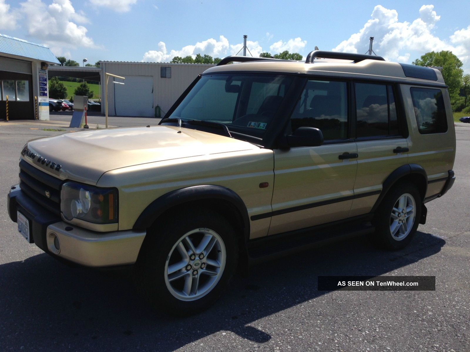 2004 Land Rover Discovery Se Sport Utility 4 - Door 4.  6l Discovery photo